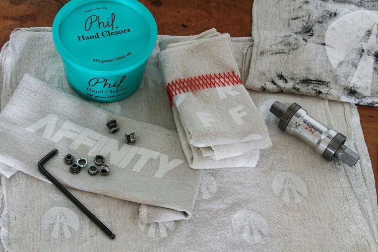 PREMIUM SHOP RAGS WITH PHIL WOOD HAND CLEANER